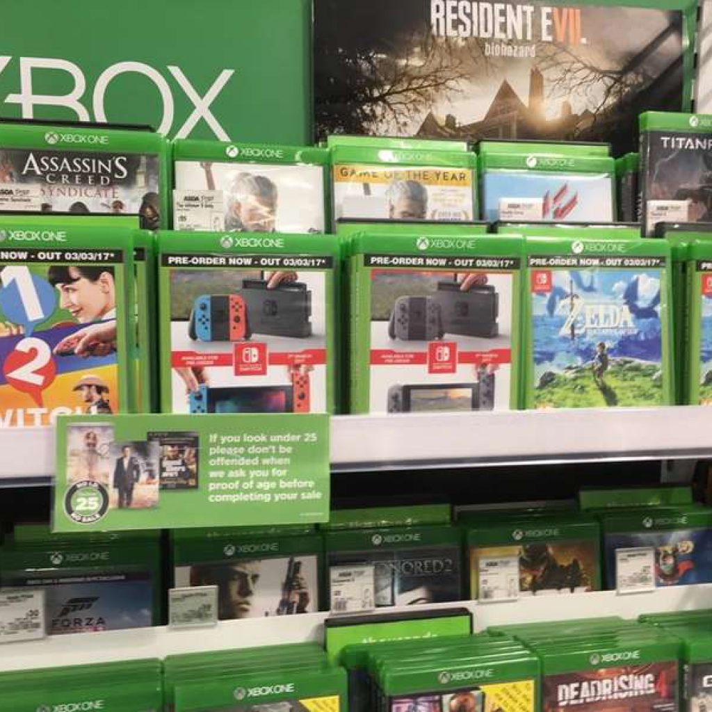 Nintendo Switch в коробках от дисков Xbox One